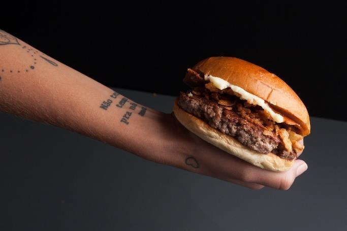 """Sucesso em setembro! O sanduíche """"Padoca com o Catupiry® Original retorna ao cardápio do Bullguer !"""